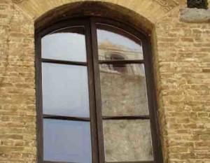 חלונות מעץ מלא